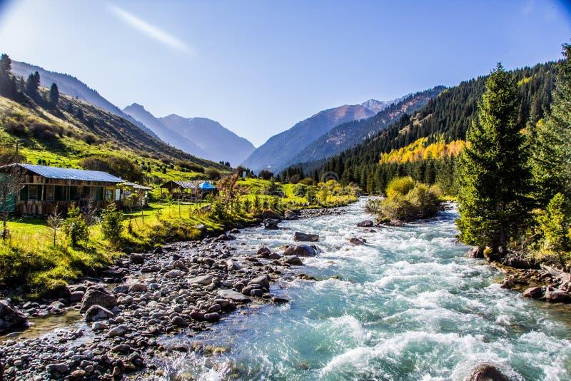 Naturaleza de Kirgiz del área de Kol del Ala foto de archivo