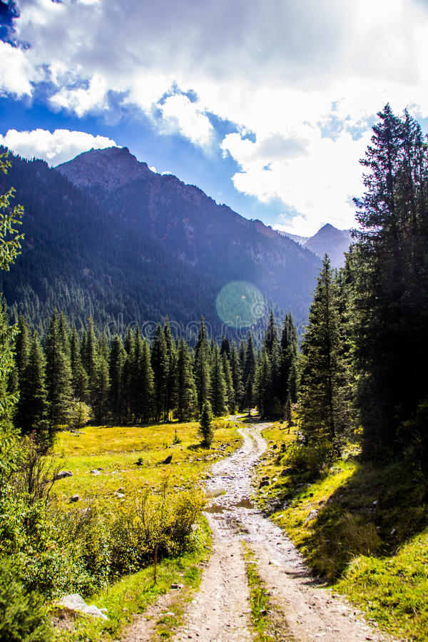 Naturaleza de Kirgiz del área de Kol del Ala imagenes de archivo