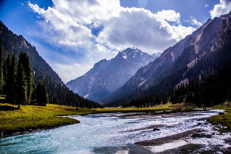 Naturaleza de Kirgiz del área de Kol del Ala imagen de archivo