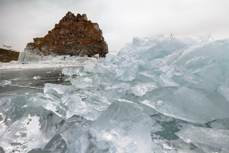 Naturaleza Isla de Olkhon en el invierno foto de archivo