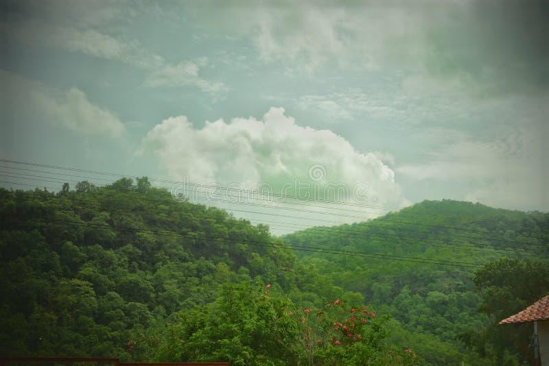 Naturaleza oculta de la nube foto de archivo libre de regalías