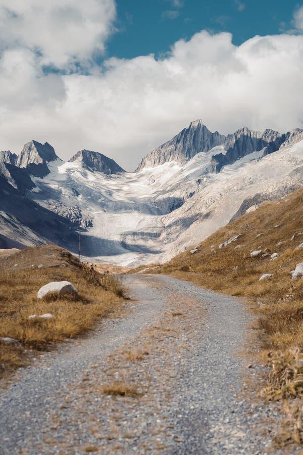 Naturaleza panorámica hermosa en las montañas fotos de archivo libres de regalías