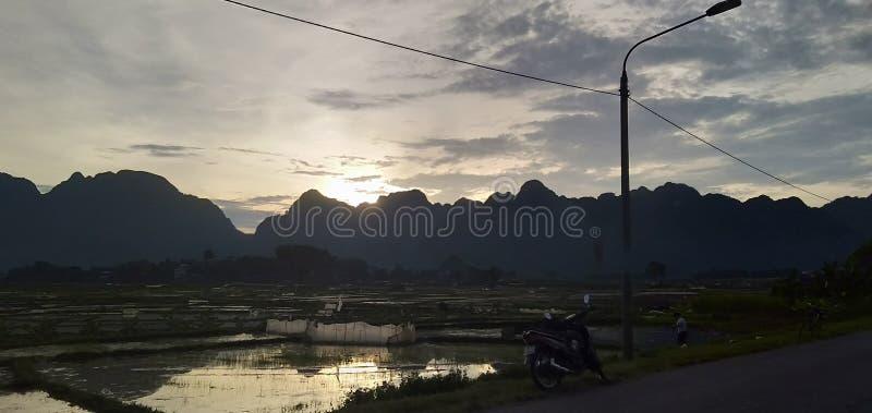 naturaleza, puesta del sol, sol, residencial foto de archivo