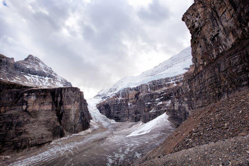 Naturaleza salvaje en Rocky Mountains, llano de seis glaciares imágenes de archivo libres de regalías