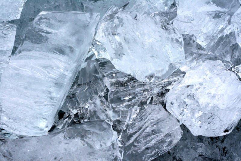 Naturalne kostki lodu w zbliżeniu obraz royalty free
