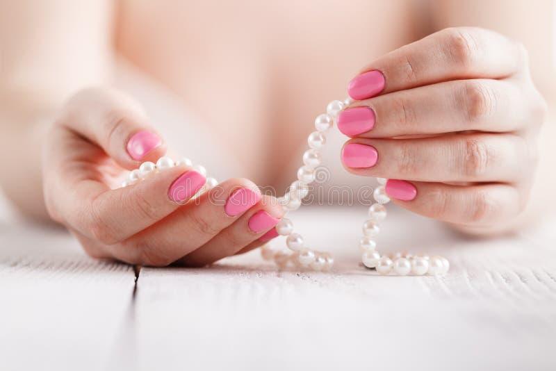 Naturalni gwoździe, gel połysk Perfect czyści manicure z zero oskórkiem Gwóźdź sztuki projekt dla moda stylu obraz royalty free