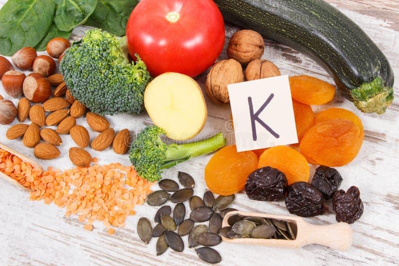 Naturalni składniki jako źródło potas, witamina K, kopaliny i włókno, fotografia stock