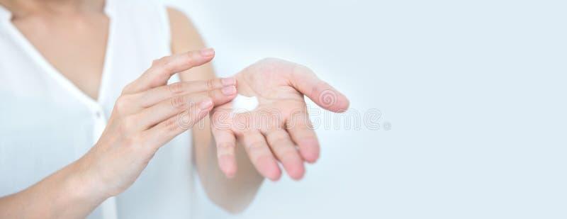 Naturalni skincare remedia Moisturizer śmietanka dla skóry fotografia stock