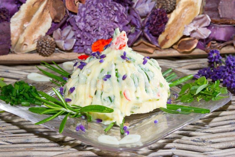 Naturalny świeży zielarski masło obrazy royalty free