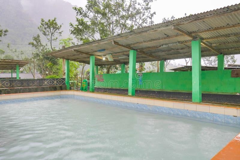 Naturalny Gorącej wiosny basen w Berastagi, Indonezja zdjęcia stock