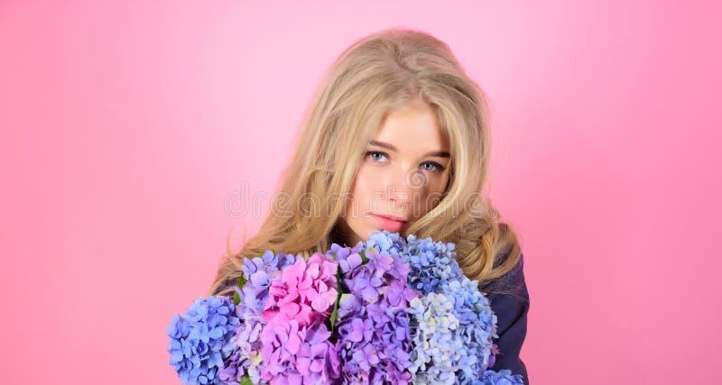 naturalny piękna pojęcie Skóry piękna i opieki traktowanie Delikatny delikatny kwiat Czysty piękno Czułość młoda skóra zdjęcia stock