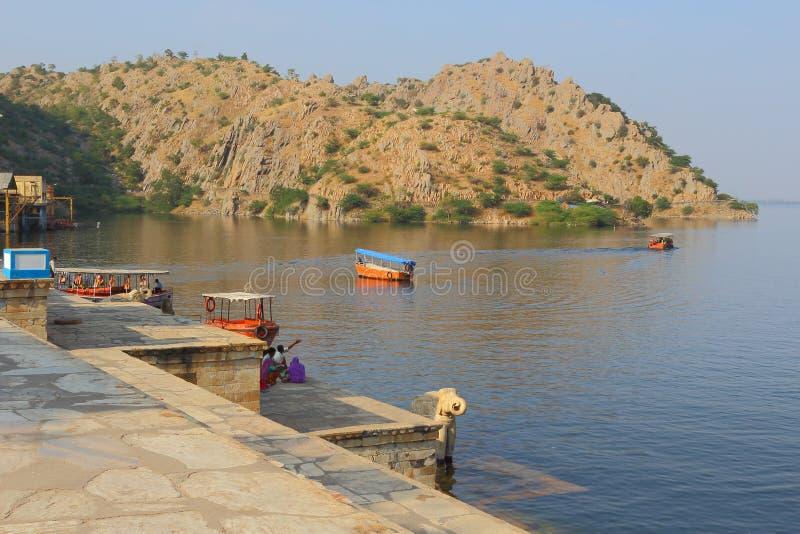 Naturalny widok jezioro obraz royalty free