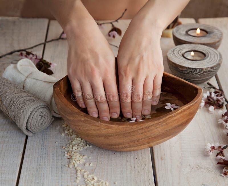 Naturalny zdroju manicure'u położenie obrazy royalty free