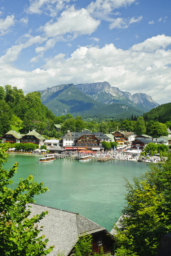 Download Nature Landscape Of Beautiful Lake Scene Editorial Photo - Image of clear, bavaria: 20938976