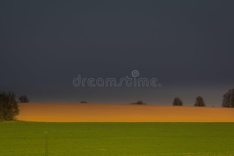 Naturens makt Vackra landskapsfoto Närliggande humör royaltyfria foton