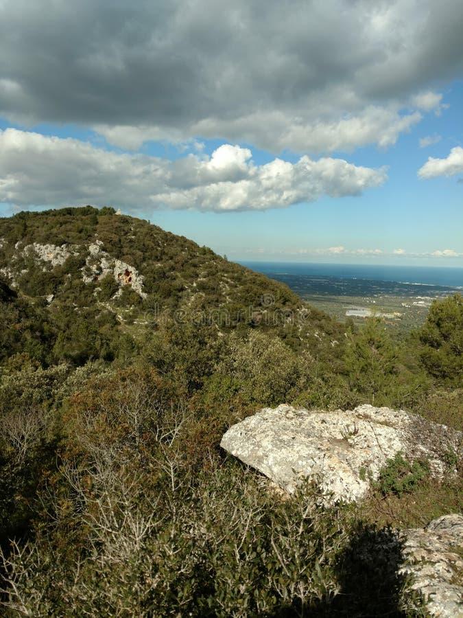 Natureza bonita do céu da montanha fotografia de stock royalty free