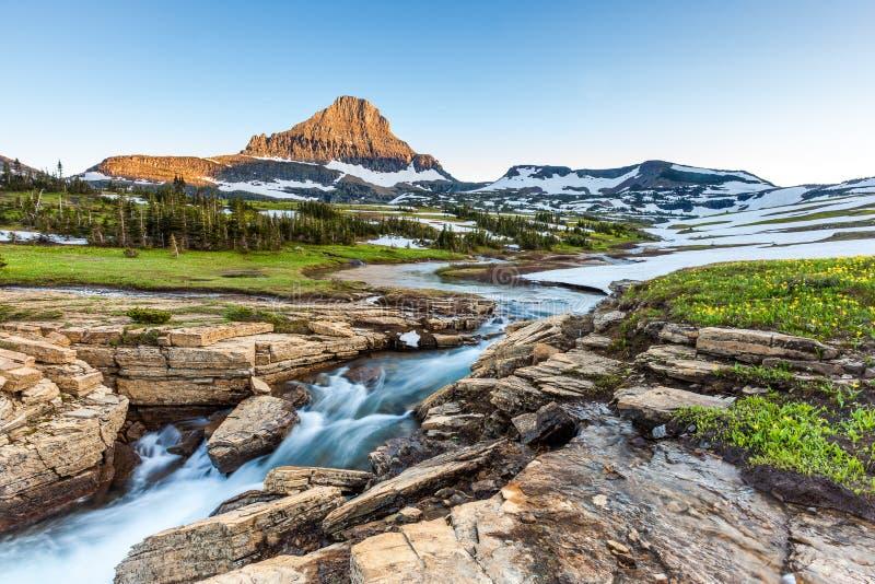 Natureza bonita em Logan Pass, parque nacional de geleira, TA fotografia de stock
