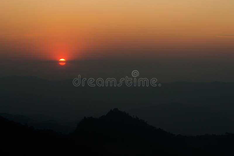 Natureza da montanha do por do sol imagem de stock royalty free