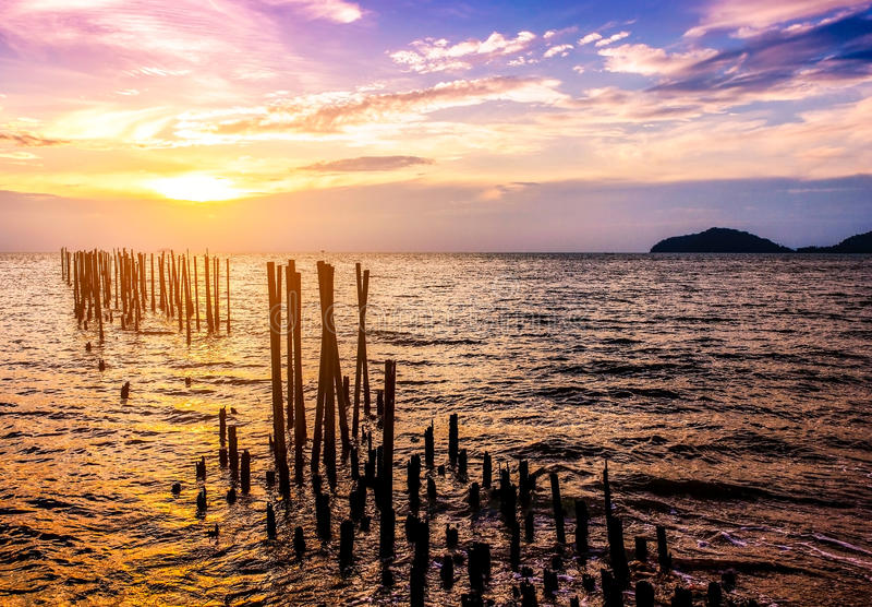 Natureza da paisagem do Seascape no crepúsculo com por do sol fotografia de stock royalty free
