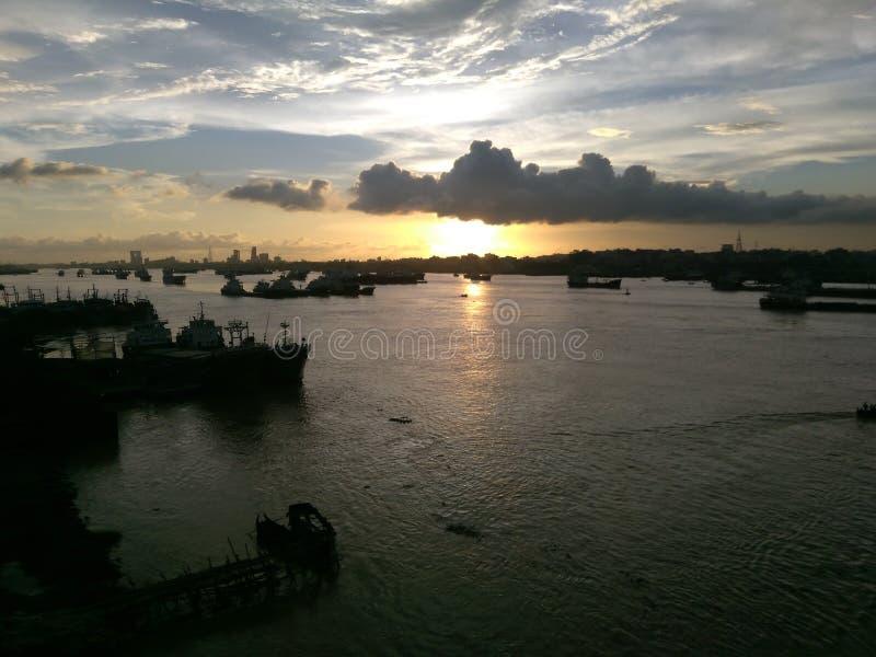 Natureza da sombra do rio do karnaphuli de Bangladesh fotos de stock royalty free
