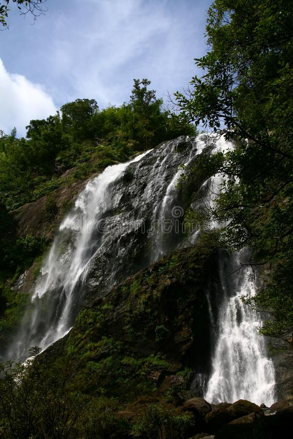 Natureza das cachoeiras do cenário imagens de stock