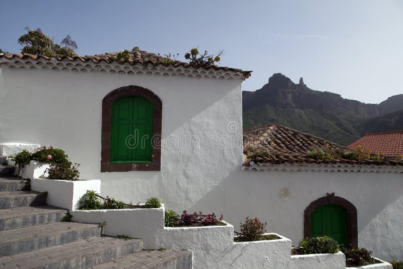 Natureza impressionante nas montanhas Cruz de Tejeda em Gran Canaria, Ilhas Canárias sob a bandeira espanhola fotos de stock