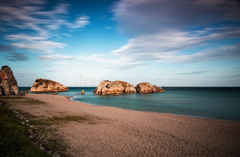 Natureza impressionante, paisagem marinha e rochas imagem de stock