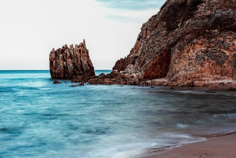 Natureza impressionante, paisagem marinha e rochas fotos de stock royalty free