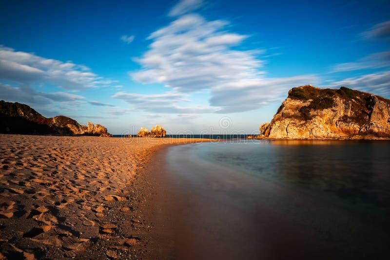 Natureza impressionante, paisagem marinha e rochas imagens de stock royalty free