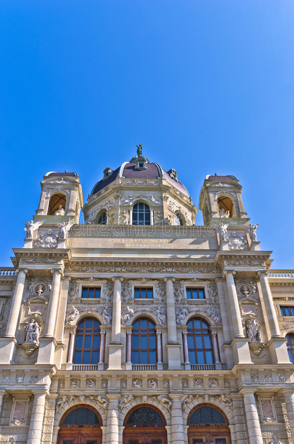 Naturgeschichtemuseumsgebäude auf Maria Theresa-Quadrat in Wien stockfotos