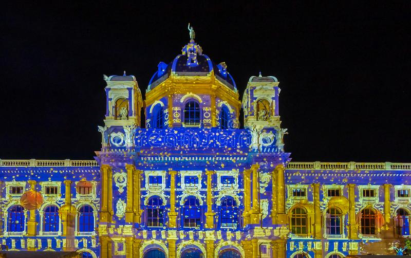 Naturhistoriamuseet i Wien på natten, Österrike arkivfoton