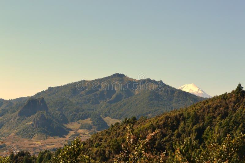 Naturlandskap, berg från xalapaen Mexiko royaltyfri fotografi