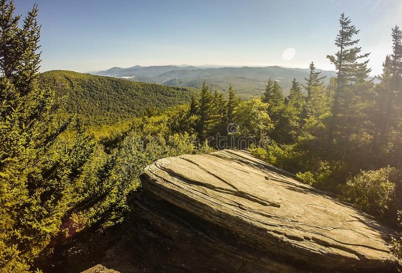 Naturlehrpfadszenen zu calloway Höchst-Nord-Carolina stockfotos