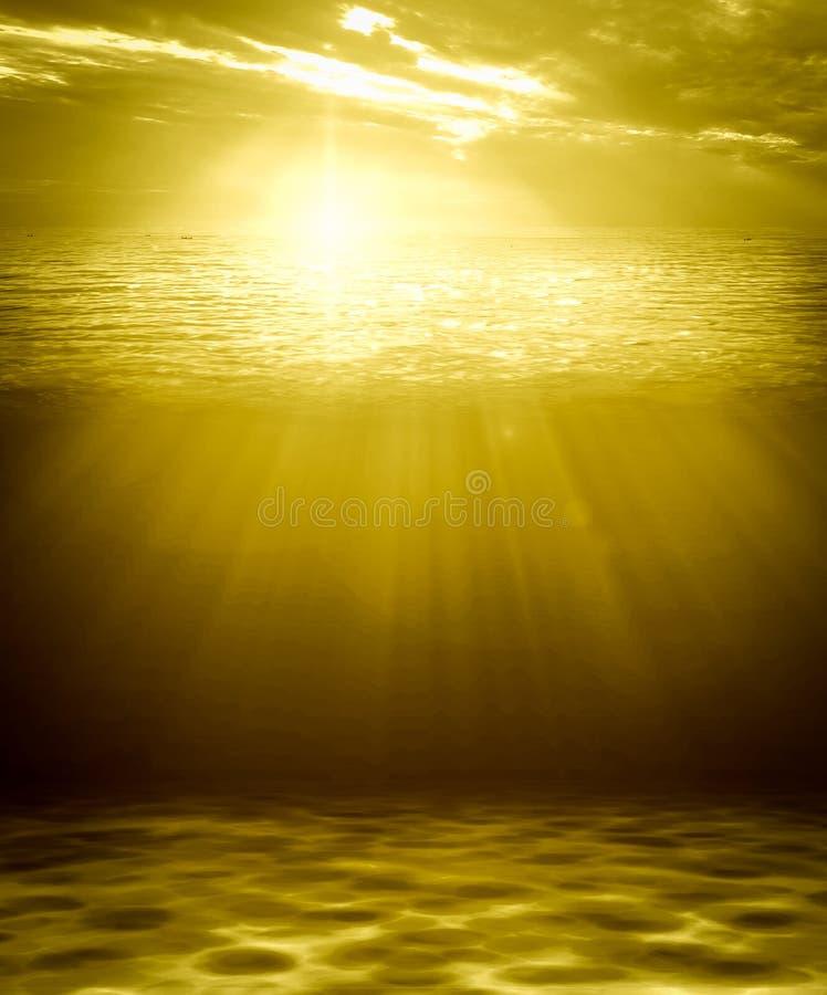 Naturlig bakgrund för djupt guld- vattenabstrakt begrepp royaltyfri illustrationer