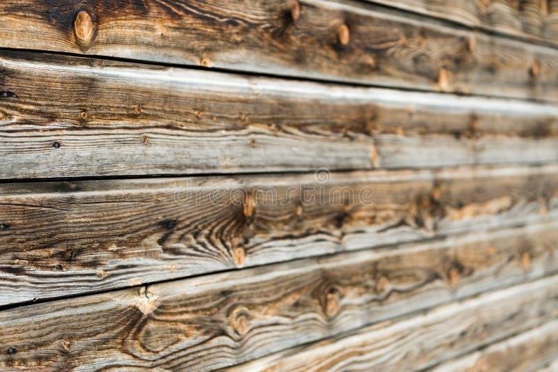 Naturlig brun ladugårdträvägg Trätexturerad bakgrundsmodell royaltyfri foto