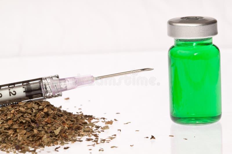 naturlig grön injektion royaltyfri bild