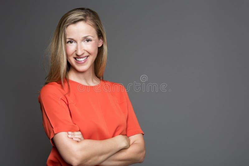 Naturlig härlig kvinna royaltyfria bilder