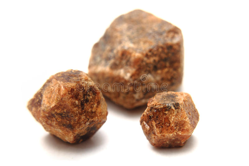 Naturlig hesonite (granatröttmineral) royaltyfri bild