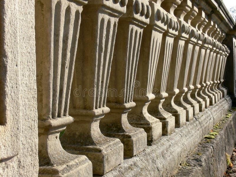 naturlig sten för balustrad royaltyfria bilder