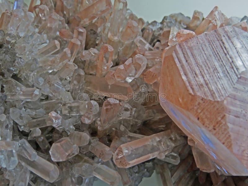 Naturliga former Mineraler och halv-dyrbara stentexturer och bakgrunder royaltyfria foton