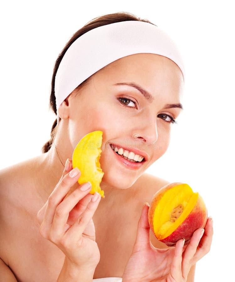 naturliga hemlagade maskeringar för ansikts- frukt royaltyfria foton