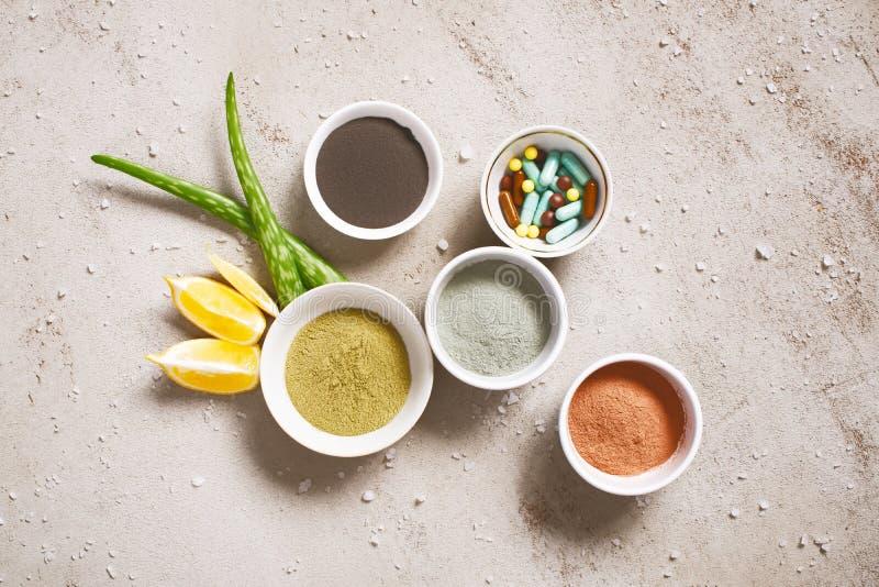 Naturliga ingredienser för omsorgskönhetsmedel, organiska kroppomsorgprodukter arkivfoton