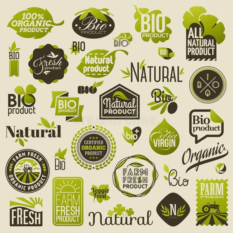 Naturliga organiska produktetiketter och emblem. Uppsättning av vektorer royaltyfri illustrationer