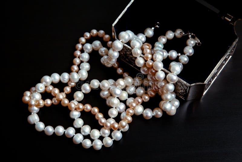 naturliga pärlor arkivfoto