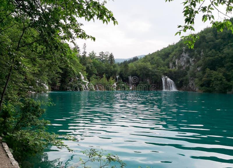 Naturliga Plitvice parkerar royaltyfria bilder