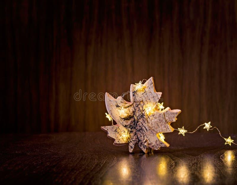 Naturligt julpynt med ljus fotografering för bildbyråer