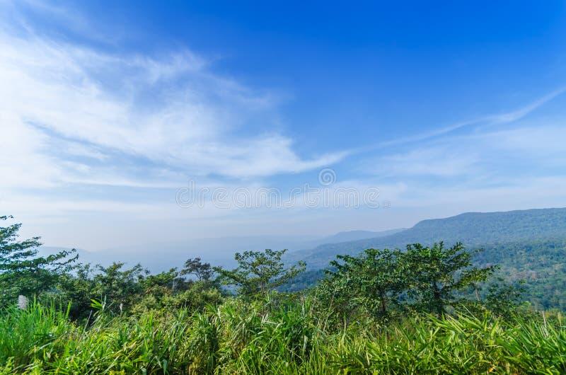 Naturligt landskap för härliga berg fotografering för bildbyråer