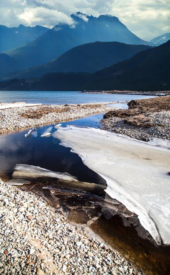 Naturligt landskap på geirangerfjorden royaltyfri foto