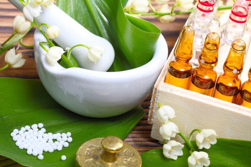 Naturmedicin ampules royaltyfri fotografi