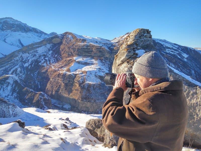 Naturphotograph in den Winterbergen lizenzfreies stockbild